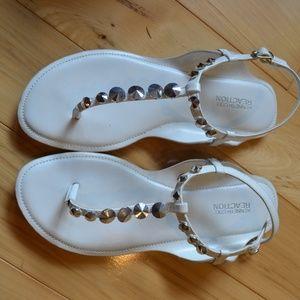 Kenneth Cole sandals white 9 dear tee split toe